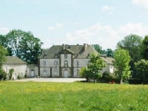 chateau du chassan faverolles Cantal à proximité
