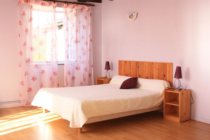 La maison chambres d 39 hotes les amis cantal - Chambre d hotes le poteau rose ...